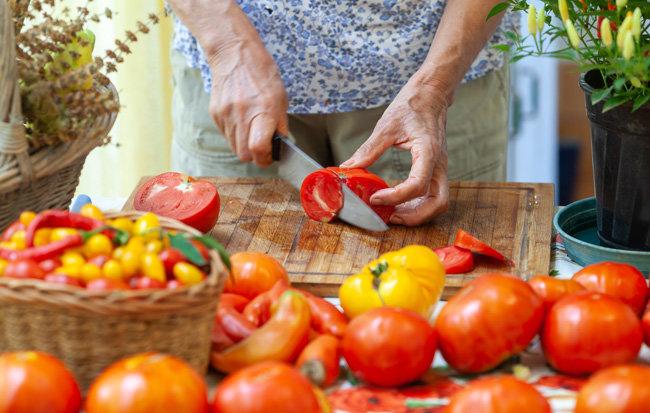 토마토는 다양한 모양과 맛으로 식탁을 풍성하게 만든다. [GettyImage]
