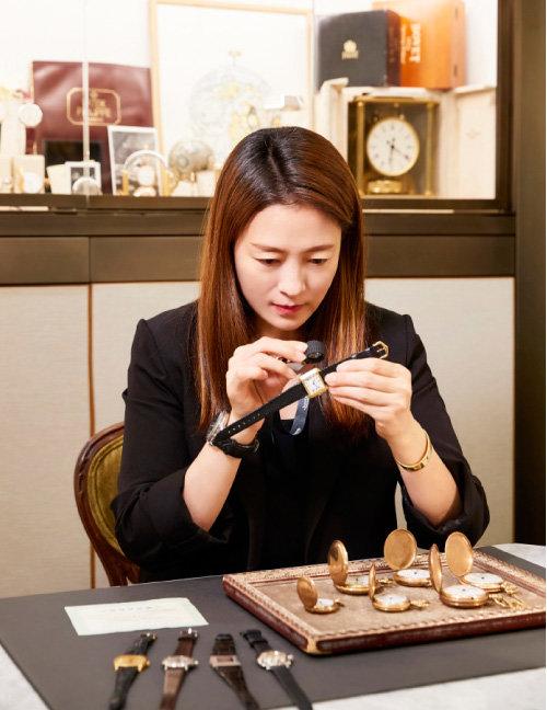 빈티지 시계를 수집하는 김문정 용정콜렉션 대표.