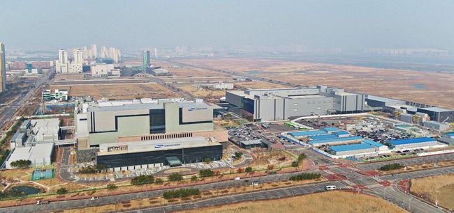 인천 송도국제도시에 설립된 삼성바이오로직스 공장. [인천경제자유구역청 제공]