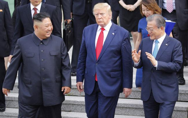 2019년 6월 30일 남·북·미 정상이 판문점에서 역사상 처음으로 한자리에 모였다. [동아DB]