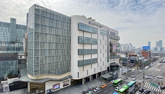 서울 영등포구 롯데 영등포점이 12월 완료를 목표로 점포 리뉴얼이 한창이다. [롯데백화점 제공]