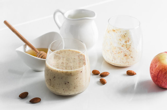 대추야자를 우유에 넣고 곱게 갈면 맛있는 음료가 된다.  [GettyImage]