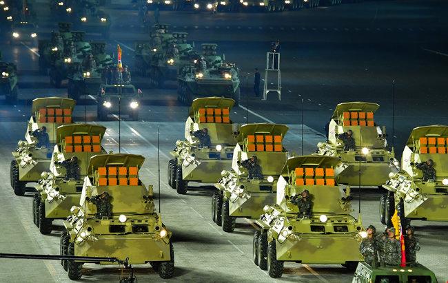 10월 10일 평양 김일성 광장에서 열린 열병식에서 공개된 북한군 소형 장갑차 부대. [노동신문=뉴스1]