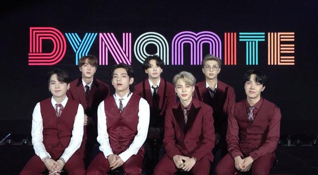 케이팝 그룹 방탄소년단(BTS)은 8월 발표한 디지털 싱글 '다이너마이트(Dynamite)'로 빌보드 메인 차트인 '핫 100' 1위를 차지하는 등 정상급 인기를 누리고 있다. [빅히트엔터테인먼트 제공]