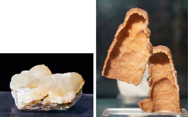 스미소나이트(Smithsonite)  화학자이자 광물학자 '제임스 스미손'의 이름에서 명칭이 유래된 탄산염 광물.