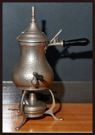 카페타(Caffeta) 커피메이커. 영국 H.위너(Winner)가 생산한 커피메이커로 끓여서 우려내는 방식이다. 1920년대에 제작됐다.