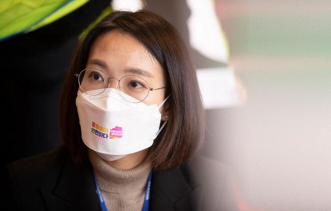 """장혜영 정의당 의원은 """"코로나19가 심각해지는 상황에 국회가 경제와 국민의 삶을 논해야 한다""""고 강조했다. [지호영 기자]"""