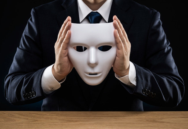 거짓말을 하는 정치인들의 무의식적 사고에는 자신의 안위와 정파의 이익, 세력 확대를 위한 심리적 동기가 가득 차 있다. [Gettyimage]