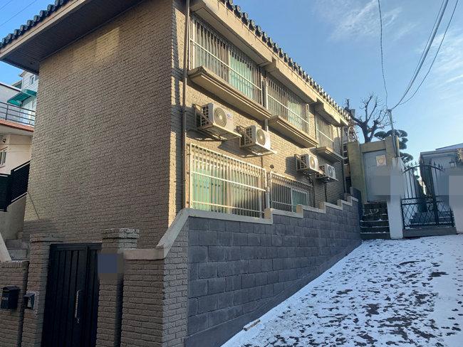 서울 마포구·서대문구 소재 전월세집 10곳을 확인하고 해당 집을 골랐다. 남향이라는 점과 주방과 방이 분리된 1.5룸이라는 점이 크게 작용했다. [문영훈 기자]