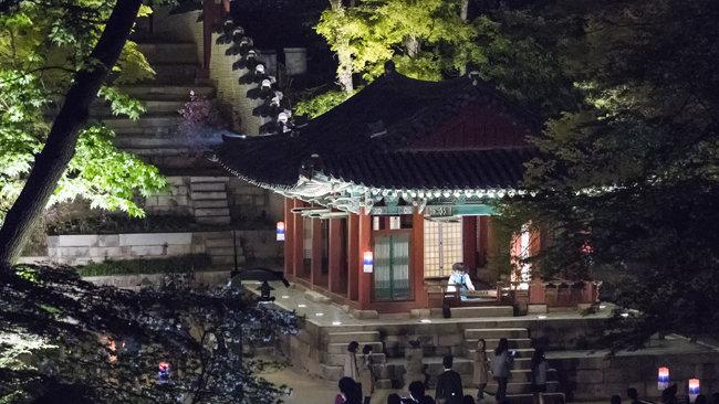 '달빛기행'은 창덕궁 야간개방 행사로 2010년부터 매해 이어지고 있다. [동아DB]