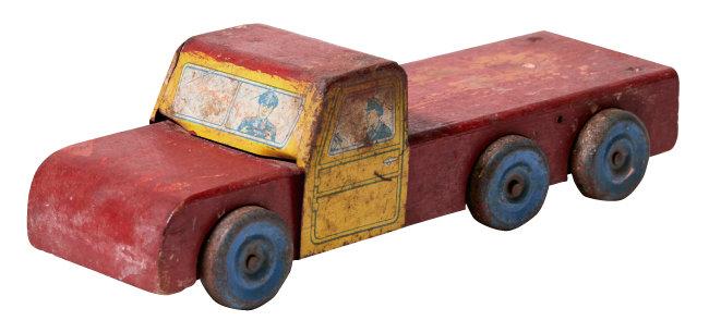 목재와 양철로 만든 자동차 장난감. 1930년대 미국 제품.