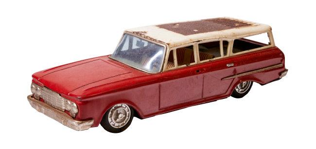 포드 썬더버드(Ford Thunderbird) 장난감 자동차. 1960년대 'MADE IN KOREA' 제품이다.
