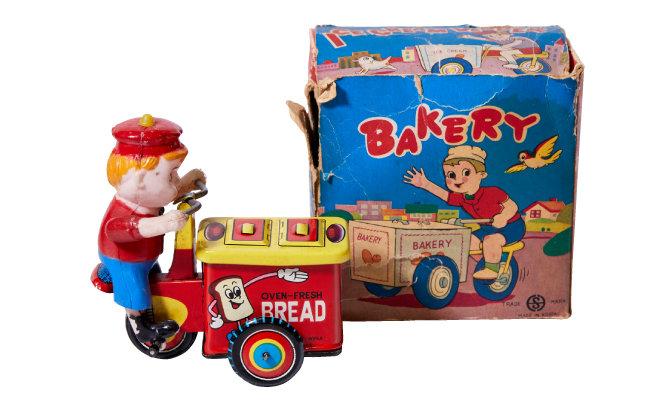 1960년대 SU공업사에서 만들어 미국으로 수출한 베이커리 배달 자전거 틴토이 장난감.