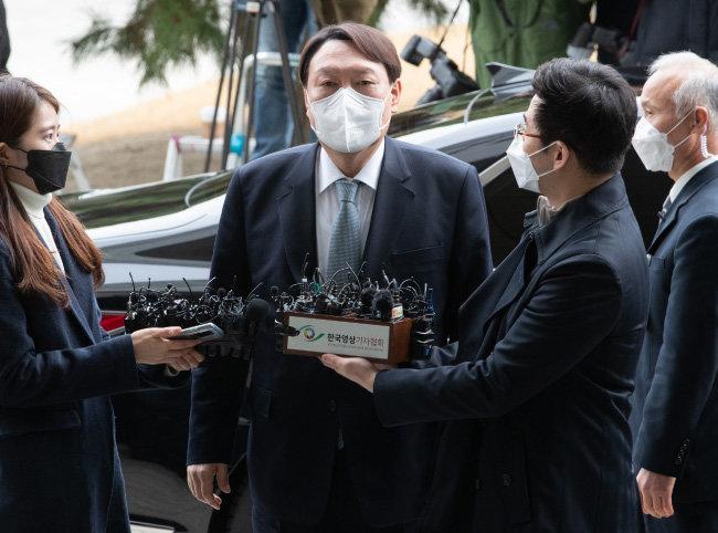 사퇴 하루 전인 3월 3일 대구지검을 방문한 윤석열 전 검찰총장. [동아DB]