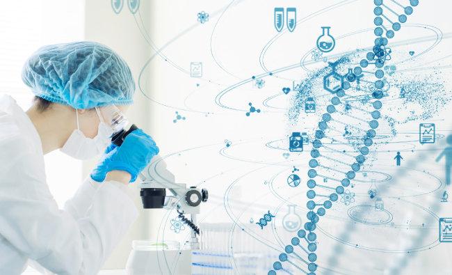 """박종화 교수는 """"건강한 사람들 유전자와 암에 걸리 사람들 유전자를 비교 분석해 암 발생을 예측한다""""고 말했다. [GettyImage]"""
