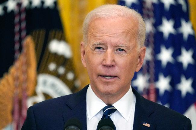 """조 바이든 미국 대통령이 3월 25일(현지 시간) 백악관 이스트룸에서 취임 후 첫 기자회견에서 """"우리는 동맹국·파트너와 논의하고 있으며 북한이 긴장 고조를 선택한다면 그에 따라 대응할 것""""이라고 강조했다. [AP=뉴시스"""