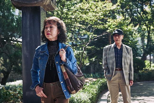2016년 영화 '죽여주는 여자'에서 박카스 할머니 역할을 맡은 윤여정. [CGV아트하우스 제공]