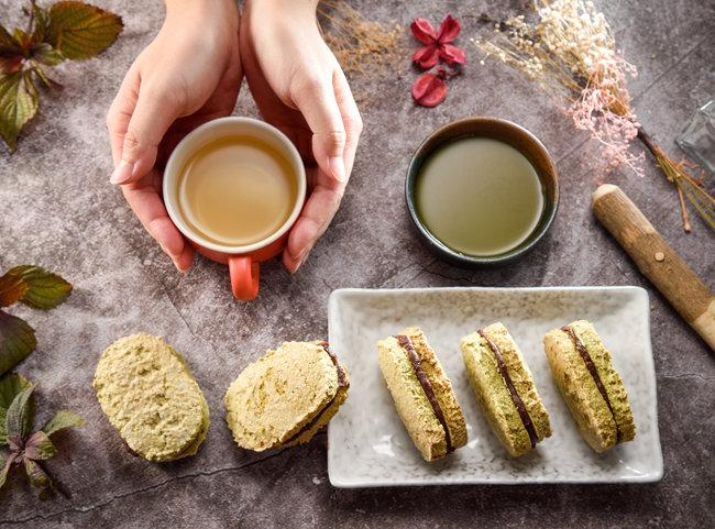 팥을 넣어 만든 달콤한 과자 다쿠아즈. '할매니얼' 열풍을 타고 최근 동서양 식재료를 결합한 디저트가 인기를 끌고 있다. [GettyImage]
