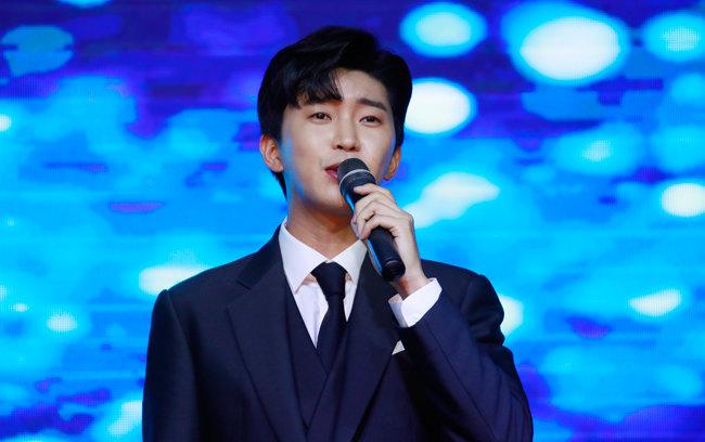 2020 방송광고페스티벌에서 노래하는 임영웅. [뉴스1]