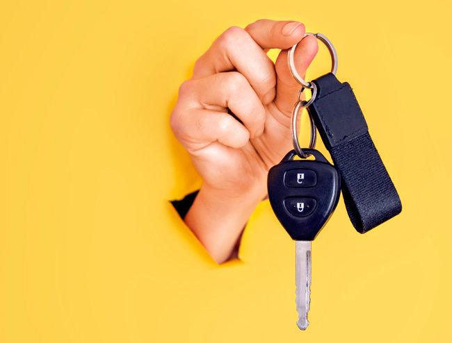 최근 허위 매물로 고객을 유인한 뒤 고가 차량을 구매하게 만드는 등 다양한 중고차 사기 범죄가 성행하고 있다. [GettyImage]