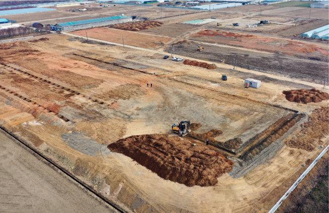 밀양 삼량진읍 일대의 스마트팜 부지. 현재 조성 공사를 하고 있다. [밀양시 제공]