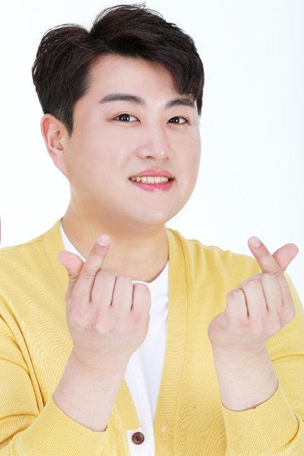 팬덤 아리스에 선한 영향력을 미치는 김호중. [사진=생각을보여주는엔터테인먼트]