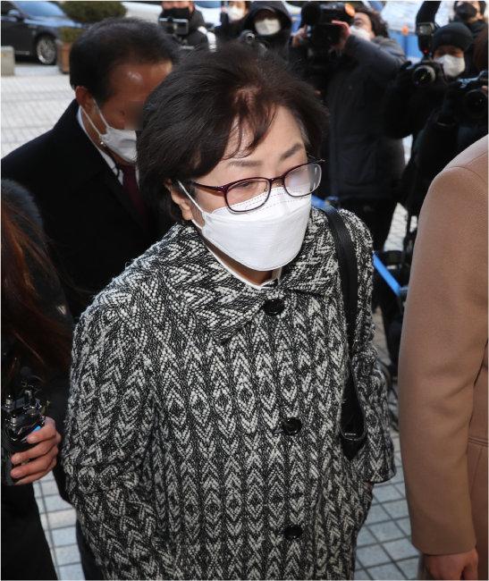 2월 9일 서울중앙지방법원은 김은경 전 환경부 장관에게 '환경부 블랙리스트' 관여 혐의로 징역 2년 6개월을 선고했다. [뉴시스]
