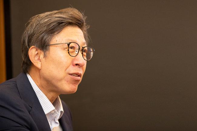 박형준 부산시장은 6월 23일 프랑스 파리 국제박람회기구(BIE)에 2030 부산월드엑스포 유치 신청서를 제출한다. [지호영 기자]