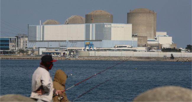 2017년 6월 가동이 영구 중지된 고리 1호기. 이를 대체할 새 원전은 아직 건설되지 않았다. [동아DB]