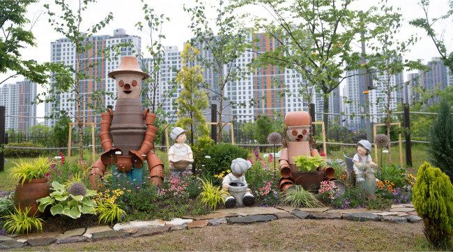 경기 평택시 통복천 인근에 조성된 녹지 '도시 숲'. [지호영 기자]