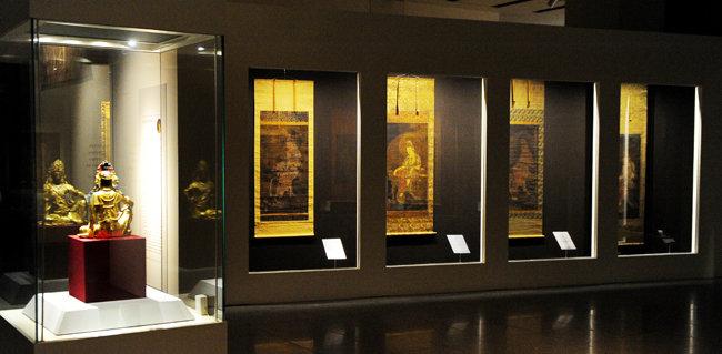 2010년 10월 서울 용산구 국립중앙박물관에서 열린 '고려불화대전-700년 만의 해후'. [뉴시스]