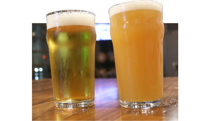 서부식 IPA(왼쪽)와 헤이지 IPA. 외관으로 보이는 둘의 가장 큰 차이는 맥주의 투명도다. [Big Ditch Brewing Co.]