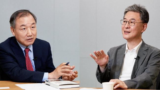 """주식농부 박영옥(왼쪽)은 """"성장 잠재력이 큰 기업 3~4개를 찾아 평생 동행하라""""고 조언했다. 이채원 라이프자산운용 이사회 의장은 """"가슴 뛰는 기업을 발견했을 때가 매수 타이밍""""이라고 말했다. [홍중식 기자]"""