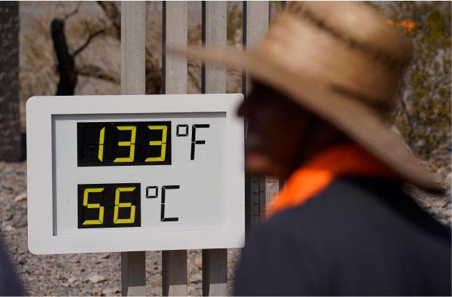 7월 11일(현지시간) 미국 서부 데스밸리의 비공식 기온이 56℃를 기록했다. [AP 뉴시스]