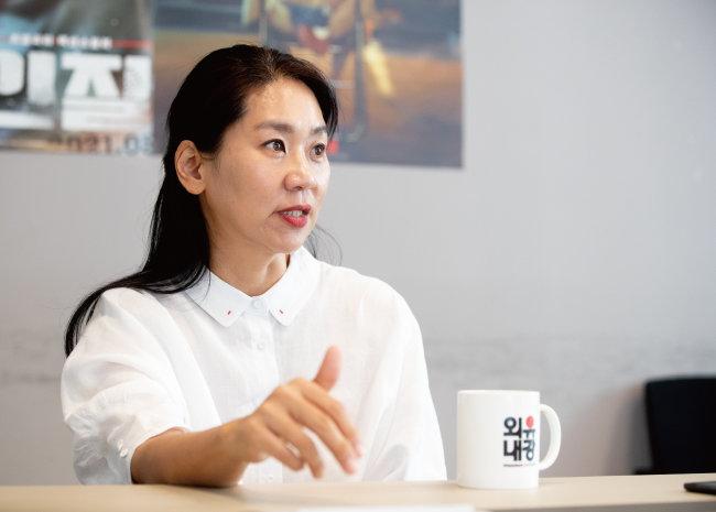 """강혜정 대표는 """"코로나19 사태를 겪으며 어떤 제작자가 되고 싶은지가 선명해졌다""""고 말했다. [지호영 기자]"""