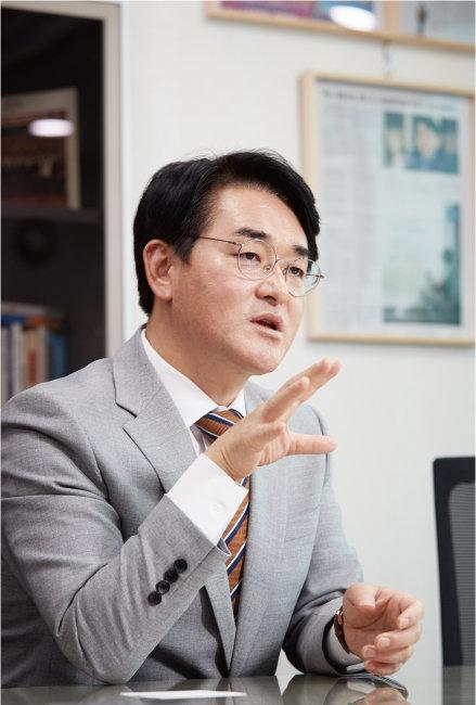 9월 9일 서울 여의도 국회의원 회관에서 만난 박용진 더불어민주당 의원. [홍중식 기자]