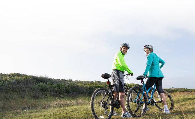 자전거 타기는 걷기보다 운동 효과가 좋지만 남자에게는 주의가 필요한 운동이다. [GettyImage]
