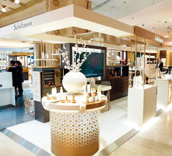 9월 프랑스 파리 '갤러리 라파예트' 백화점에 개장한 설화수 단독 매장.[사진 제공·아모레퍼시픽]