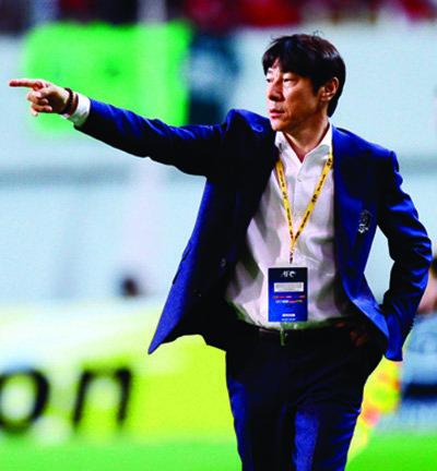 최근 두 차례 A매치에서 새로운 전술로 좋은 성과를 거둔 신태용 한국 축구 국가대표팀 감독.[스포츠동아]