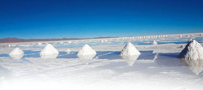전 세계 최대 리튬 매장지인 볼리비아 우유니 소금사막. [위키파디아]