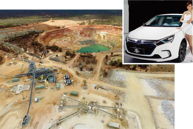 호주 마리온 리튬광산(아래[mineral resources.com])과 중국 최대 전기자동차 회사 비야드(BYD)가 선보인 전기차. [사진 제공·BYD]