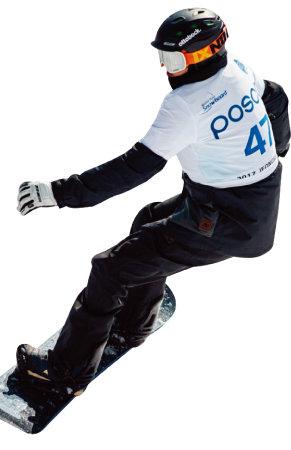 평창동계패럴림픽에서 첫 정식 종목으로 채택된 스노보드에서 메달이 나올지 관심이 모아지는 가운데 김윤호 선수에게 이목이 집중되고 있다.[사진제공·대한장애인체육회]