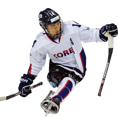 국내보다 해외에서 더 유명한장애인아이스하키 에이스 정승환 선수는 홈에서 열리는 패럴림픽인 만큼 좋은 성적을 올리겠다는 각오를 다지고 있다.[사진제공·대한장애인체육회]
