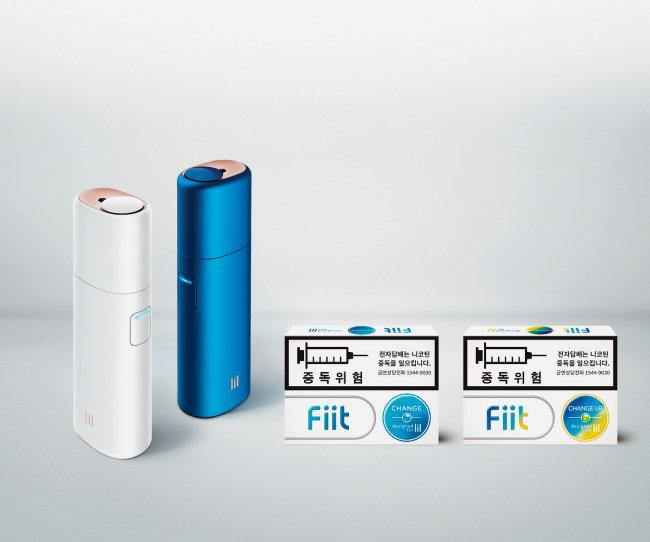 KT&G의 궐련형 전자담배 '릴(lil)' 2종과 전용 담배스틱 '핏(Fiit)' 2종(왼쪽부터).