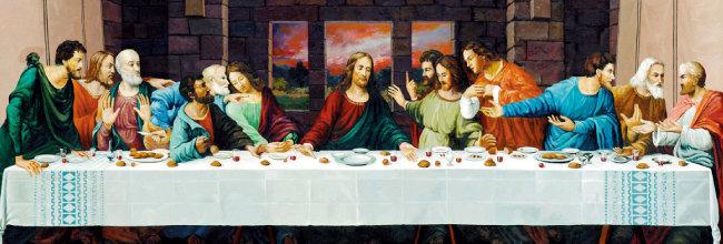레오나르도 다빈치 등 많은 화가들이 그린 '최후의 만찬'. 예수 그리스도가 십자가에 못 박히기 전 유월절에 열두 제자와 성만찬예식을 하는 장면을 묘사한 것이다.