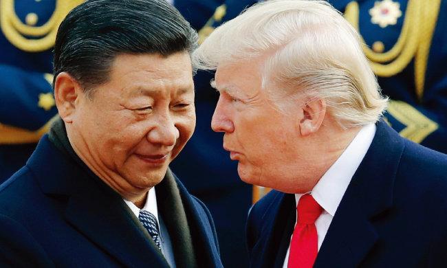 지난해 11월 9일 중국 베이징에서 만난 시진핑 중국 국가 주석과 도널드 트럼프 미국 대통령. [뉴시스]