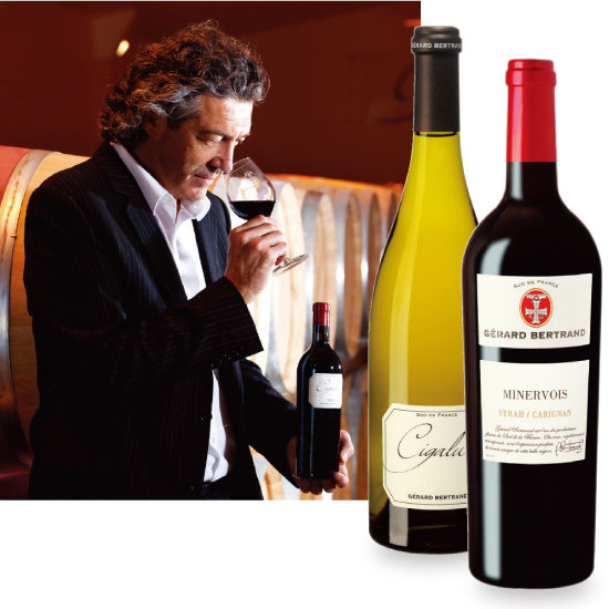 시갈뤼스를 시음하고 있는 제라르 베르트랑과 시갈뤼스 블랑, 테루아르 미네르부아 와인(왼쪽부터). [사진 제공 · 하이트진로㈜]