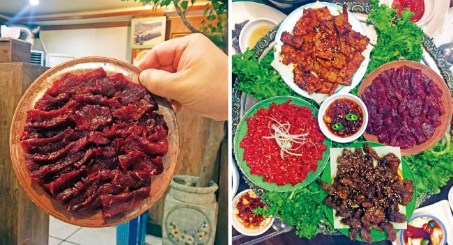 부드러운 생고기인 뭉티기는 접시에 착 달라붙을 정도로 차지다(왼쪽). 대구 뭉티기 식당에는 다른 고기 요리도 여럿 있다.