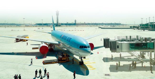정부항공운송의뢰제도(GTR)는 1980년대 자국의 항공산업 발전을 위해 공무원 출장 시 국적기 이용을 권하면서 도입된 공무원 전용 발권 시스템이다. 정부는 1980년 대한항공과 처음 GTR 계약을 맺었다. [뉴시스]