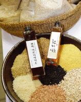곡물로 담근 술을 초산 발효시키면 식초가 된다.